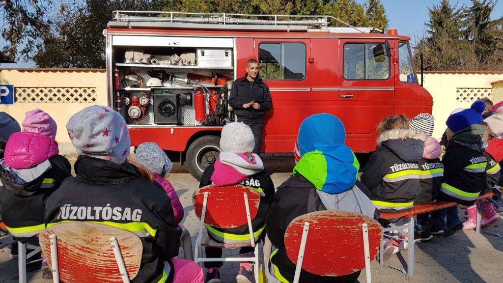 Szomjoltóság Tűzoltóság a Misi Mókus Magánóvodában